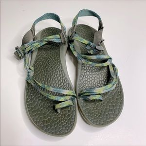 Chaco Fantasia green sandals size 7